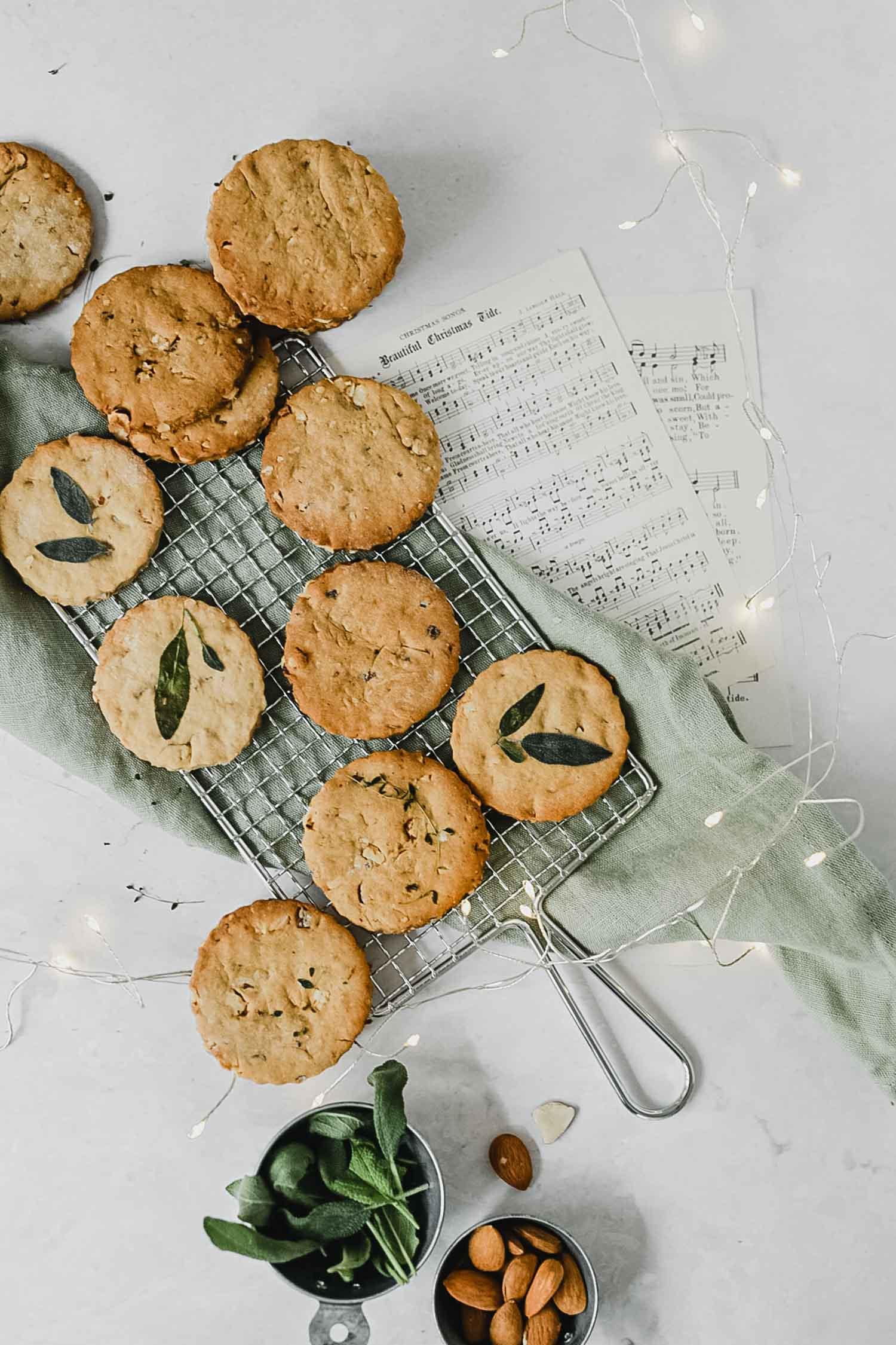 Recette biscuits de Noël vegan aux amandes et aux noisettes