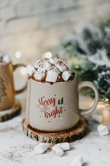 Recette chocolat chaud vegan épicé et guimauves